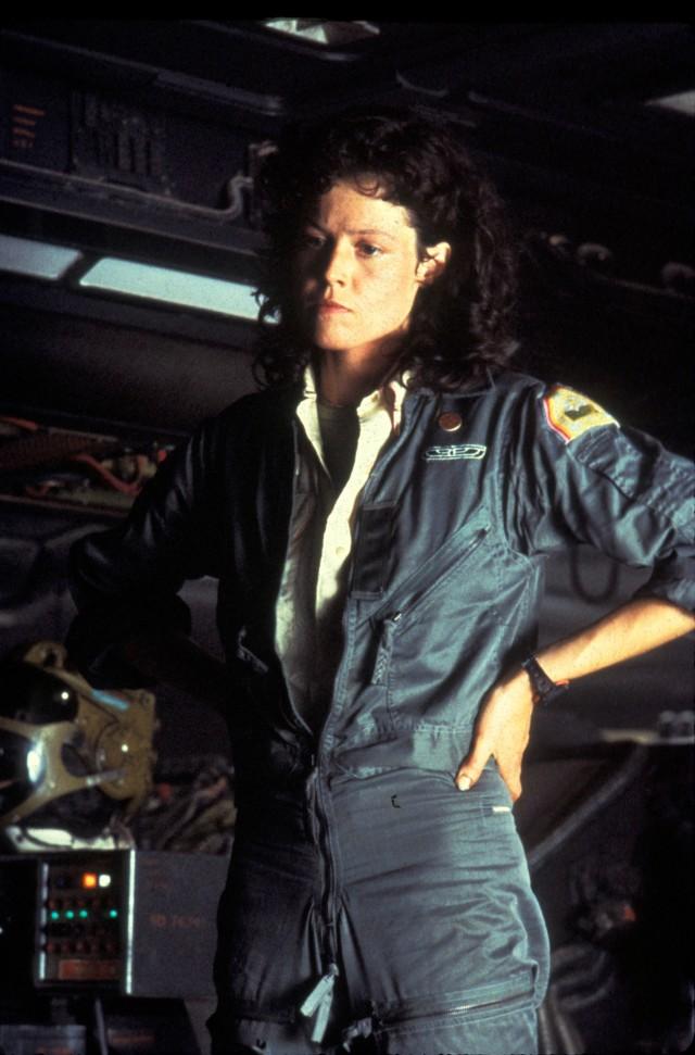 Dejo el último para el final, y sería el que yo eligiría. La teniente Ripley de Alien. Qué gran película!/ And the last one, the one I/d choose: Lt. Reapley, from Alien. Great film!